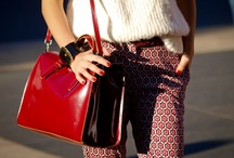 PATTERN PANTS - TREND - HOW TO WEAR / A board dedicated to the Pattern pants / geometric printed pants trend and how to wear it.  Part of the Fashion tips for moms and outfit ideas for moms found on http://reasonstodress.com / by reasonstodress