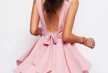 Gorgeous Dresses / by Christine Blandina