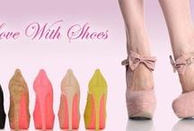 Love High Heels / by Glory Gonzalez