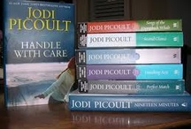 Books Worth Reading / by RoseAne DeCoeur