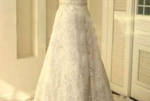Wedding Dresses / by Smitten Kittens