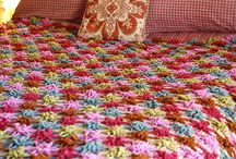 Afghans, blankets, throws and ......... / by Rosa Martha Aceves