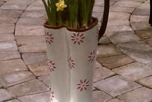 Beautiful planters / by Kathy Mills