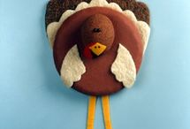 Thanksgiving Crafts / by FaveCrafts