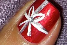 Christmas nail art / by Reachel Hempel