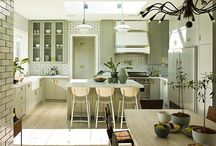 Kitchens / by Bailey Quin