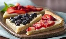 Desserts with Fruit / by Jessica Diaz