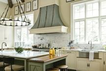 Kitchens / by Pollyanna Dunn