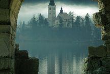 Castles / by Traci Przybylek