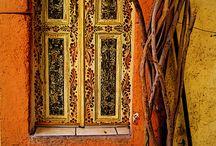 doors / by Karla Castañeda