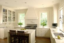 Dream Home::Kitchens / by Kailynne