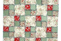 Quilts / by Roxanne Eaves