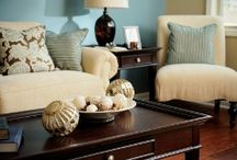 Decorating the home / by Melissa Sims