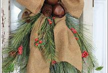 christmas wreaths / by Cathy Walackas Estey