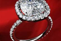 Engagement Rings / by Jessi Lynn