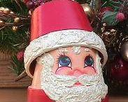 christmas crafts / by Roberta Hagen