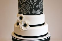 blk and white wedding cakes / by Eva Murphy