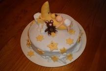 WOW Cakes!!! / by Vani Vanipfel