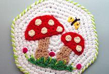 Crochet / by Lisa Pettry