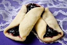 Sweets n Treats / by Alisha Johnson Radich