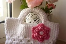 Crochet bags! / by Cristina Uggeri