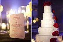 Wedding Cakes / by Kayla Marie Schneider