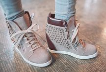shoes omgggg / by Ashley Robertson