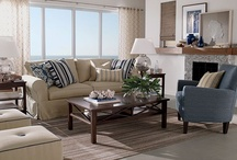 Home Decorating - Living Room / by Confident Moms   Confident Kids