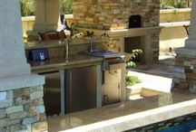 Outdoor Kitchen & Pools / by Shannan Rauch