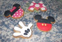 galletas mickey / by Elena Adamuz