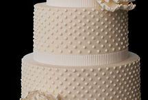 Cakes I Want To Make  / by Kelly Lyver-Davidsen