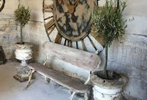 Rustic chic / rough, rustic, rusty, woodsy, worn, faded, aged / by Nestle`