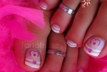 Manicures and Nail art / cute ideas for manicures and such:) / by Amy Martin