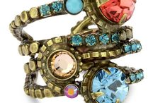 Bijoux, Belts & Bags / by Beta Mysko