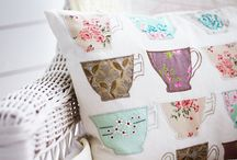 Pretty Pillows / by Karla Jess