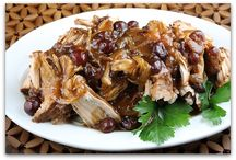 Slow cooker recipes to try / by Marissa Miceli