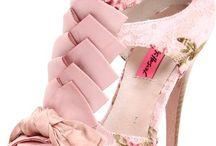 Dream Shoe Closet / I looooooove shoes! / by Dianne Vanessa Alejo