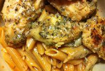 Food - *Pasta's* / by Crystal Zufelt