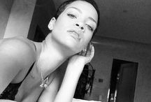 Love Life Everbody / No matter what you go thru in life.   Keep Smiling!! / by Rihanna