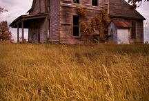 FARMHOUSES / Homes from the past / by Renee O'Connor