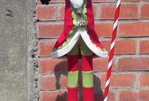 muñecos navideños / by Adriana Motta Salas