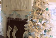 The Simple Life Holidays at the Beach / The Simple Life Decor loves two things, the beach and the holidays.  Why not combine them and enjoy the holidays beach style! / by The Simple Life Decor