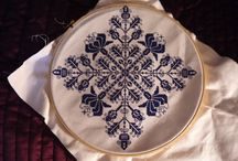Cross stitch patterns  / by Hasna Benmaach