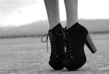 zapatos / by Krystal Goodman