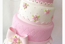 Cakes / by Isa Vargas