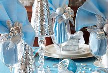 Christmas Centerpieces & Tablescapes / Christmas Centerpieces and Tablescapes / by The Sparkle Queen
