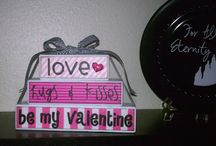 Holidays/Seasons- Valentine's Day / by Brandy Harris-Hodnett