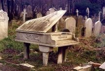 Gravely Interesting / Interesting graves and graves of the famous. / by Amanda (Dye) Ketchum
