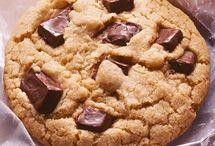 cookies, cookies & more cookies!!!!!  / by Heather Ohl