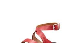 Shoe la la / by Gi Na